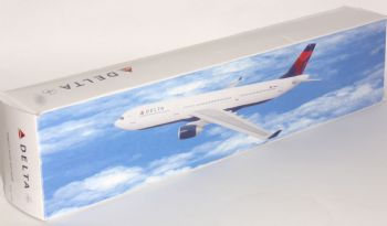 Airbus A330-300 Delta Airlines Flight Miniatures Collectors Model Scale 1:200 E
